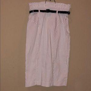 black&white pinstripe pencil skirt black belt